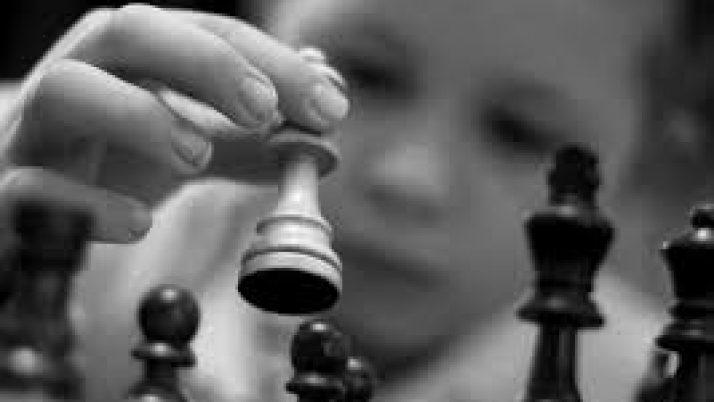 Atelier échecs.