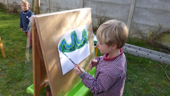 Ateliers arts plastiques de la période en MS1. Les vagues