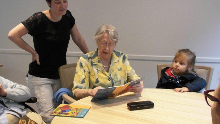 Ateliers lecture à la maison de retraite. PS1