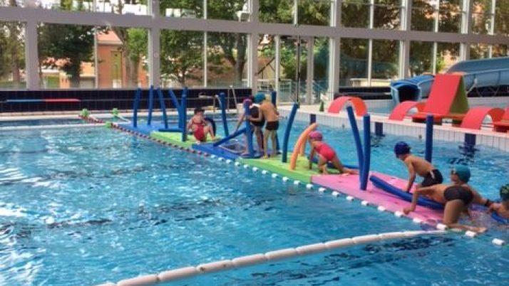 Rencontre Sportive pour les CP à la piscine