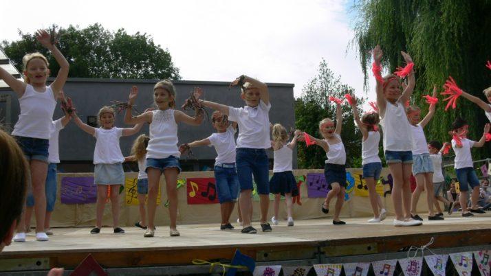 La danse des CE1-2